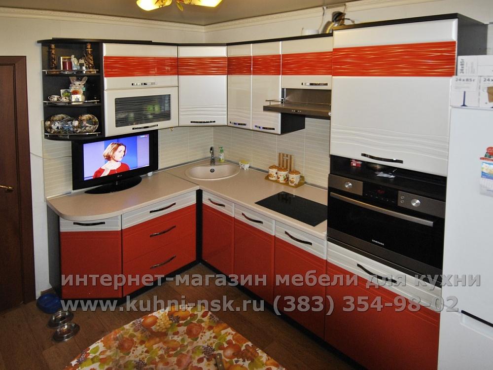 оранжевая кухня 9м2